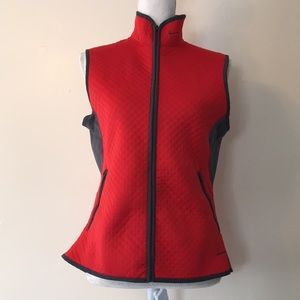 NIKE therma fit vest red sleeveless zip up quilted